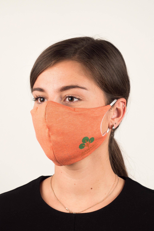 Veido kaukė su kanapės pluoštu