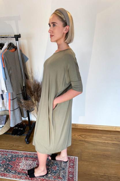 Mot.suknelė-nerasplvosfoto
